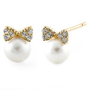 New In Box Pearls White Sapphire Bow 14K Earrings